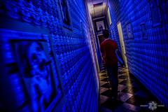 El pasillo (Almu_Martinez_Jiménez) Tags: teatro térmica tunel luz pasillo raro extraño amigo azul marx málaga theatre