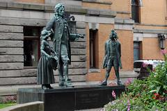 Statue of Ludvig Holberg (1) (Phil Masters) Tags: 26thjuly july2016 norwayholiday norway oslo ludvigholberg statueofludvigholberg ludvigholbergstatue dyrevaae pernilleandhenrik pernille henrik pernillehenrik ludvigholbergpernilleandhenrik ludvigholbergpernillehenrik