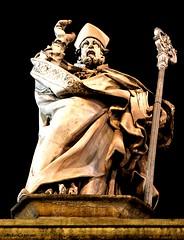 Patrono della città (michelecipriotti) Tags: sanpetronio bologna emiliaromagna chiesa statua patrono