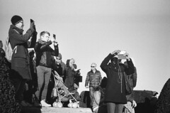 taking photos is fun (gato-gato-gato) Tags: 35mm asph ch iso400 ilford ls600 leica leicamp leicasummiluxm35mmf14 mp messsucher noritsu noritsuls600 schweiz strasse street streetphotographer streetphotography streettogs suisse summilux svizzera switzerland wetzlar zueri zuerich zurigo z¸rich analog analogphotography aspherical believeinfilm black classic film filmisnotdead filmphotography flickr gatogatogato gatogatogatoch homedeveloped manual mechanicalperfection rangefinder streetphoto streetpic tobiasgaulkech white wwwgatogatogatoch zürich manualfocus manuellerfokus manualmode schwarz weiss bw blanco negro monochrom monochrome blanc noir strase onthestreets mensch person human pedestrian fussgänger fusgänger passant