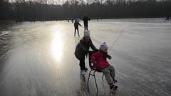 IJsbaan Heiloo (www.heiloo-online.nl) Tags: ijsbaan heiloo natuurijs schaatsen ijspret ijsmeesters itgietoan vrijwilligers sentiment