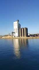 2017-01-19_02-40-27 (madmax557) Tags: lowestoft lowestoftharbour reflection reflections water river rivers waterways bluewater bluesky eastanglia eastcoast suffolk buildings uk england greatbritain