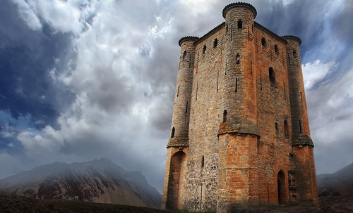 "Torres legendarias / Faros, minaretes, campanarios, rascacielos • <a style=""font-size:0.8em;"" href=""http://www.flickr.com/photos/30735181@N00/32493406266/"" target=""_blank"">View on Flickr</a>"