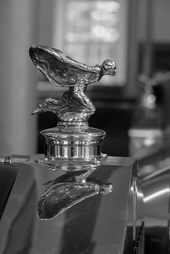 Spirit of Ecstasy - Kneeling version