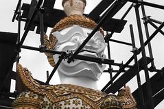 Giant Repair Job (Coquine!) Tags: giant thailand temple scaffolding bangkok fangs watarun guardian tempel baugerüst watchaeng christianleyk
