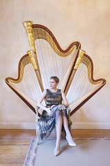 (takeitysie) Tags: harp harpiste agnès agnèsclément clément portrait portret portraits portretten women woman gold dress carpet belgium music surrealism severens surreal chair back wall classic tysje takeitysie tysjeseverens brussel brussels highheels