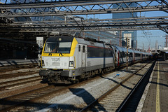 HLE 1835 + IC 434 (Welkenraedt 11:47 - Kortrijk 14:44), Bruxelles-Midi, 19th January 2017 (cfl1969) Tags: hle1835 bruxellesmidi siemens sncb nmbs
