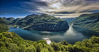 Geiranger panorama (press L and F11, then you are there!)