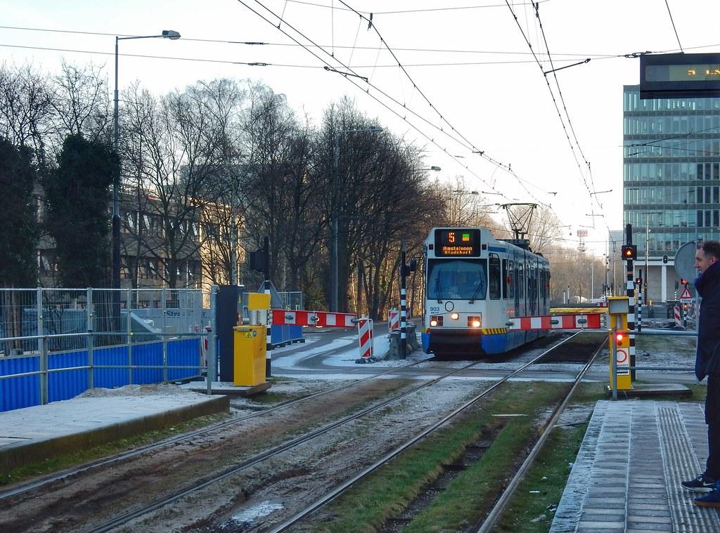gvb bn g11 strawinskylaan amsterdam zuid sander_sloots tags tram amsterdam strawinskylaan zuidas tramway