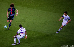 David Luiz Vs Moubandje (mehdimoi) Tags: psg parcdesprinces paris france davidluiz moubandjie tfc toulouse football foot soccer sport green terrain attaque defense passion ligue1 championsleague