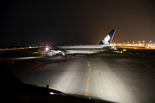 Singapore Airlines B777-300ER 9V-SWQ holding short of the runway at SIN/WSSS