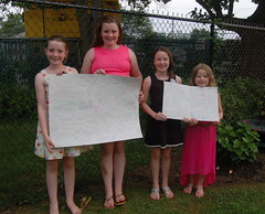 Tiernagh & Mia Moore and Meagan & Jenna Diver with their get well cards for Conall & Caolan