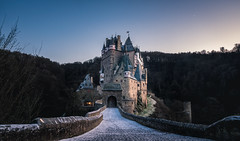 Märchen Schloss (Ankidrean) Tags: sunset castle schloss burgeltz nature landscape koblenz burg stone germany eifel building architecture 500px eltz