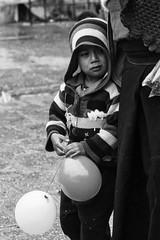 Palloncini (Dalia-Nera) Tags: sguardi ritratto donnamessicana tessitura reportage messicanpeople bambino