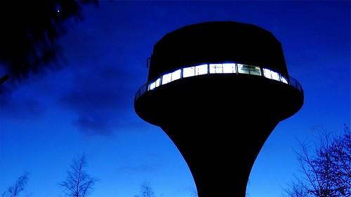Ein UFO ? -  Der Wasserturm Flensburg im Flensburger Volkspark