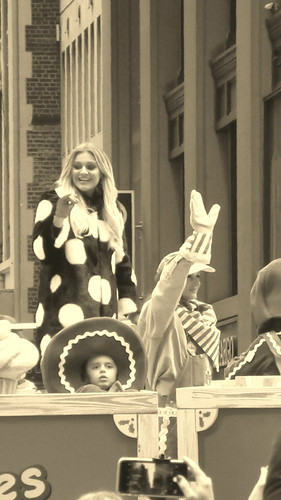 Kelsea Ballerini on the STIRRIN' UP SWEET SENSATIONS DOMINO SUGAR float in the 90th annual Macy's Thanksgiving Day Parade New York City USA