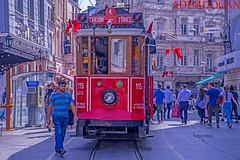 ISTANBUL TAKSIM-TÜNEL (01dgn) Tags: taksim istanbul turkey türkiye turkei avrupa europa beyoglu red colors taksimtünel streetphotography