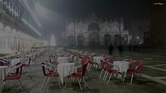 Com'è triste Venezia (BORGHY52) Tags: venezia venice venise veneto piazzasanmarco basilicasmarco notte nebbia italy italiancity tristezza malinconia charlesaznavour dicembre inverno fog nuit luci cometristevenezia quecesttristevenise