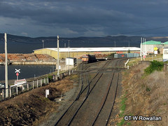Z at Hobart (DQ2004) Tags: stormclouds zclass 2112 tasrail pacificnational hobartrailyard