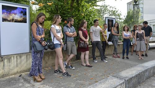 Vernissage de l'exposition de treize jeunes photographes amateurs niortais au square Henri-Georges Clouzot en présence du photographe Vincent Rosenblatt © Darri
