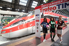 Partenza delle squadre da Milano Centrale (Ferrovie dello Stato Italiane) Tags: milan tim milano treno inter reggioemilia trenitalia treni sassuolo trofeotim frecciarossa1000