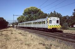 Rebuilt Harris Sets at North Port (Alan Greenhill) Tags: vr0058 1985 trains victoria australia victorianrailways vr vicrail vline february1985 905m rebuiltharris northport