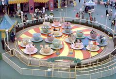 Mad Tea Party, 1962 (Tom Simpson) Tags: disney disneyland vintage vintagedisney vintagedisneyland 1962 1960s madteaparty teacup fantasyland