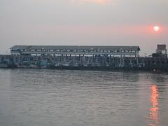 Ferry Wharf 005 (Sanjay Shetty) Tags: ferry wharf bhaucha dhakka