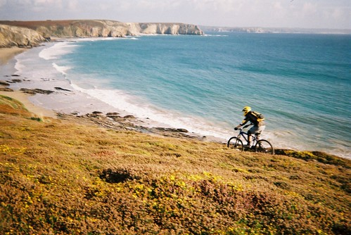 A mountain biker takes to the cliffs around Pointe de Pen-hir on the Crozon peninsula, south-west of Camaret-sur-Mer in Brittany. Photo: éric