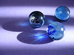 bolinhas-de-gude (wagner campelo) Tags: blue light luz glass colors vidro wow cores searchthebest shapes illumination lindo marbles formas fivestarsgallery 30faves30comments300views diamondclassphotographer flickrdiamond
