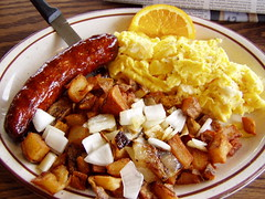 20060405 Chicken apple sausage and eggs