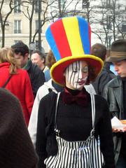 clown-triste (gillesklein) Tags: portrait paris france french klein body 2006 corps creativecommons language gilles 2007 cpe manifestations gillesklein coupdecoeur manifs womenfaces itzkovitch itzkovitchklein