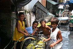 BoyZ'nDHood (mga batang aguador ng navotas) (usclabdog) Tags: poverty people kids portraits children human interest humaninterest urbanpoor potwkkc2