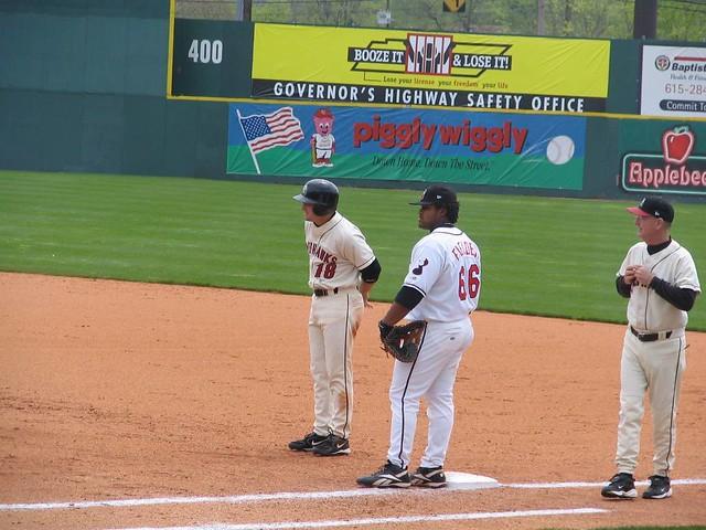 Jason Conti, runner, and Prince Fielder, 1st Baseman