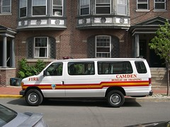 Camden Fire Department Ford Van (Triborough) Tags: city urban ford newjersey camden nj 2006 firetruck gothamist fireengine van fdny econoline camdencounty clubwagon april2006 nycnot