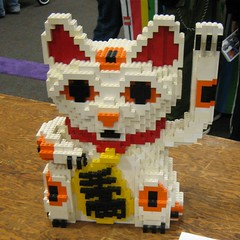 Lego Lucky Cat (laurence) Tags: california cat geotagged lego neko manekineko sanmateo maneki lug luckycat makerfaire baylug makerfaire2006 geo:lat=37546891 geo:lon=122301350