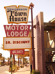 Motel Senior Discount sign