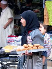 搵食艱難, Marrakech Medina (chrisflyer) Tags: africa landscape fz20 islam el morocco berber maroc moorish marrakech medina marrakesh moor marruecos islamic chrisflyer fna djemma djemmaelfna morokko