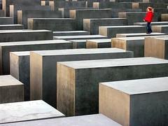 A moment at Jewish Memorial
