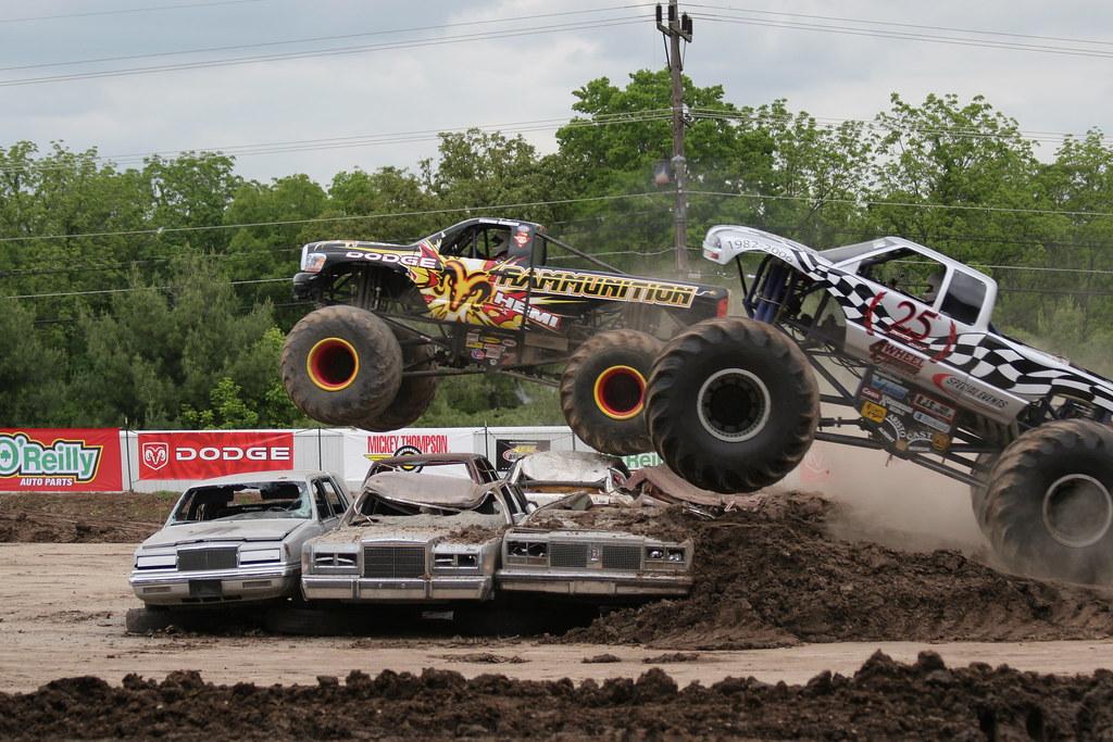 Monster Trucks Serious Air