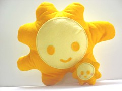 Mr. Sun & Mini Sun (Warm 'n Fuzzy) Tags: summer orange sun cute yellow toy happy craft felt softie kawaii plushtoy warmnfuzzy warmnfuzzynet