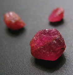 Ruby - North Carolina (adamantine) Tags: red rock stone crystal northcarolina precious mineral geology ruby gem gemstone rubis corundum mineralogy rubino rub robijn cowee
