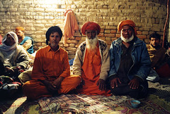 Pakpattan-33 (Nicola Okin Frioli) Tags: pakistan portrait photography photo foto photographer photojournalism punjab pilgrimage fotografo photojournalist okin okinreport wwwokinreportnet nicolaokinfrioli fotogiornalista pakpattan babafareedganj nicolafrioli