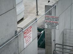 Aviso (Daquella manera) Tags: california sign trash warning la losangeles angeles dump aviso basura cartel