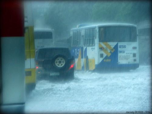 The Flood - S3isRainyDay_2 (Daniel Y. Go) cars water rain canon traffic flood philippines powershot h20 pilipinas edsa s3is onecentshot wowiekazowie proudlypinoy gettyimagesphilippinesq1