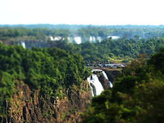 Iguassu Falls fake tilt-shift (alohadave) Tags: manipulated finepix fujifilm f56 iguassu s3100 faketiltshift iso64 0004sec 06ev 129mm