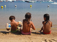 Isolella beach (Tendance Flou) Tags: beach water kids seaside sand moments onthebeach corse corsica acqua ajaccio threekids tendanceflou isollela stillsea incorsica pasparis
