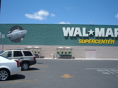 Wal-Mart offers video streaming on website
