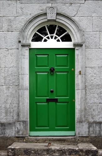 Green Door, Tyrrellspass by Kman999.