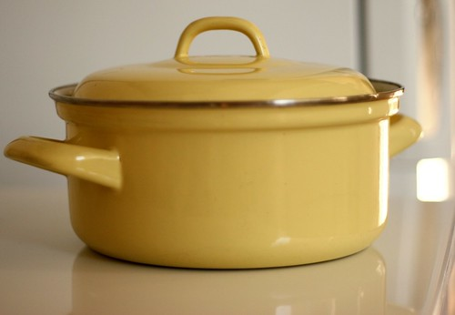 "My ""brand new"" cooking pot"
